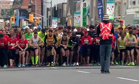 Corredores preparam-se para iniciar os 10 Km da Sporting Life, em Toronto. (CityNews)