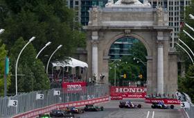 Um momento da corrida Honda Indy em Toronto - 8 de julho, 2012.