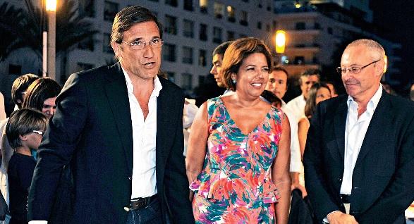 Pedro Passos Coelho e a sua mulher, Laura Ferreira, à entrada para a Festa do Pontal em Quarteira, no Algarve