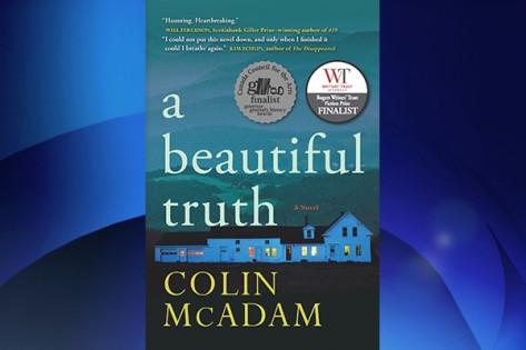 Colin McAdam ganhou o prémio Rogers Writers' Trust Fiction Award com 'A Beautiful Truth'. WRITERS' TRUST
