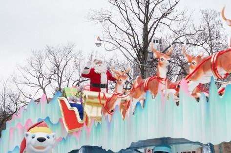 Pai Natal durante o desfile anual em Toronto. Foto de arquivo: Cortesia de The Santa Claus Parade